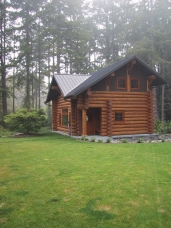 A lovely craftsman style design on guest home in washington state
