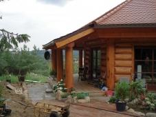 Piece-en-piece log home for Denmark