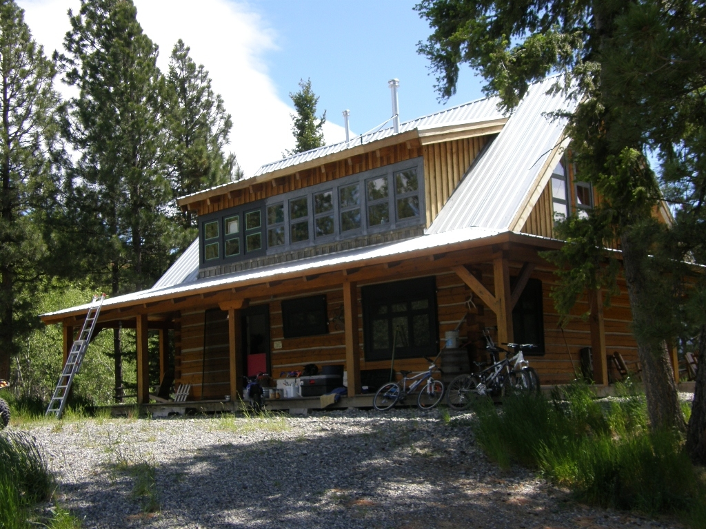 Dormer Loft Cottage By Molecule Tiny Homes: Photo Gallery Of Log And Timber Homes From Nicola Logworks